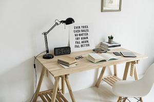 picture of home office desk for telecommuting employee accidents